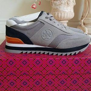 31051ec6341 Tory Burch Shoes - New In Box Tory Burch Sawtooth Logo Sneaker
